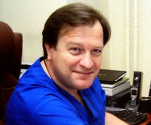 Ревишвили Амиран Шотаевич, профессор, кардиохирург