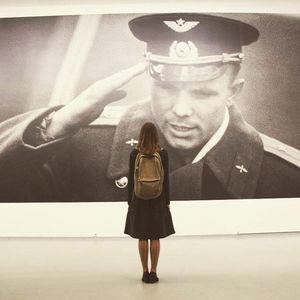 Юрий Гагарин вото с выставки